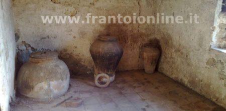 Recipiente Di Terracotta Per L Olio.Consigli Per Come Conservare L Olio Extravergine Di Oliva
