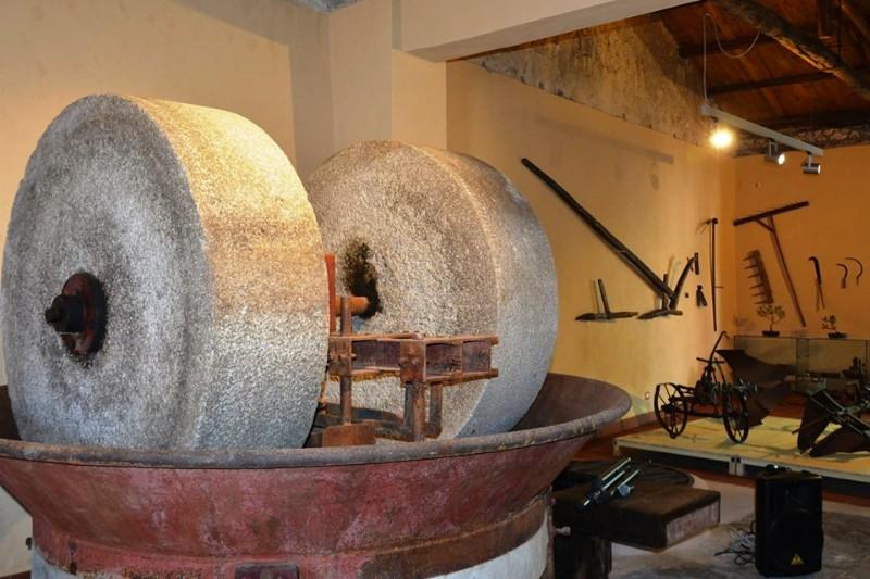 molazze-in-pietra-antico-frantoio-museo